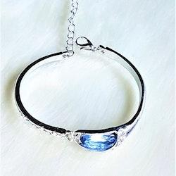 Armband med blå kristall