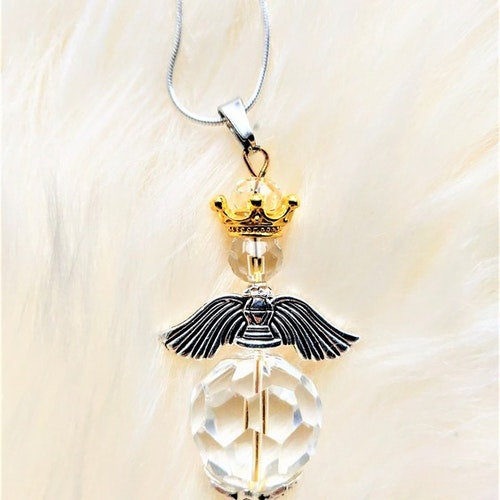 Halsband med handgjord ängel i kristall