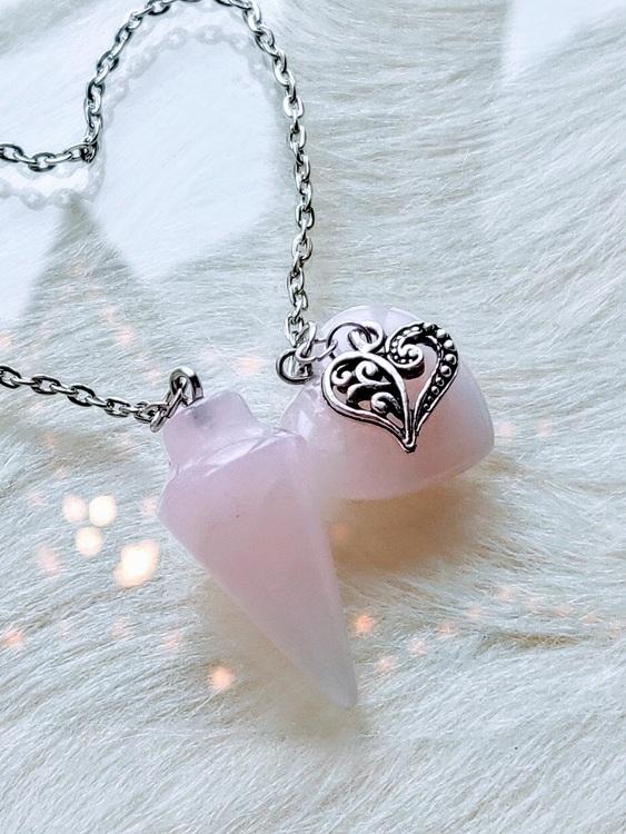 Pendel rosenkvarts med dubbla hjärtan