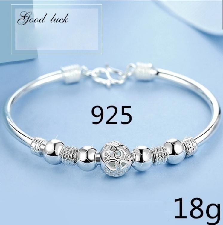 Silverpläterat armband med silver pärlor