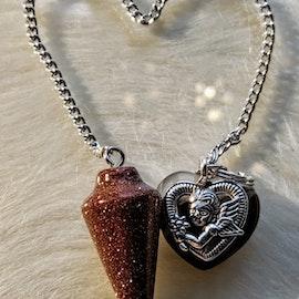 Pendel med hjärtan, 3 olika sorter i nyansen brun