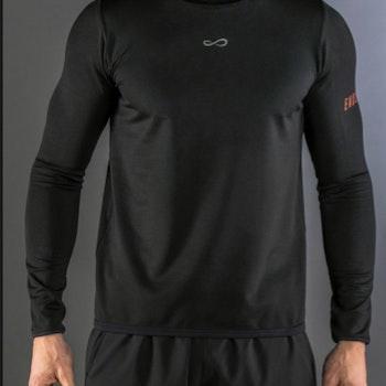 Långärmad tröja Hero black
