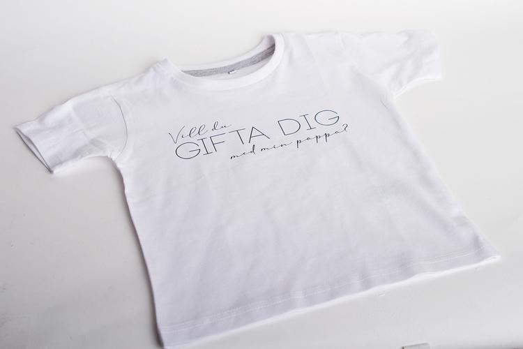 Barn T-shirt • Vill du GIFTA DIG med min pappa?