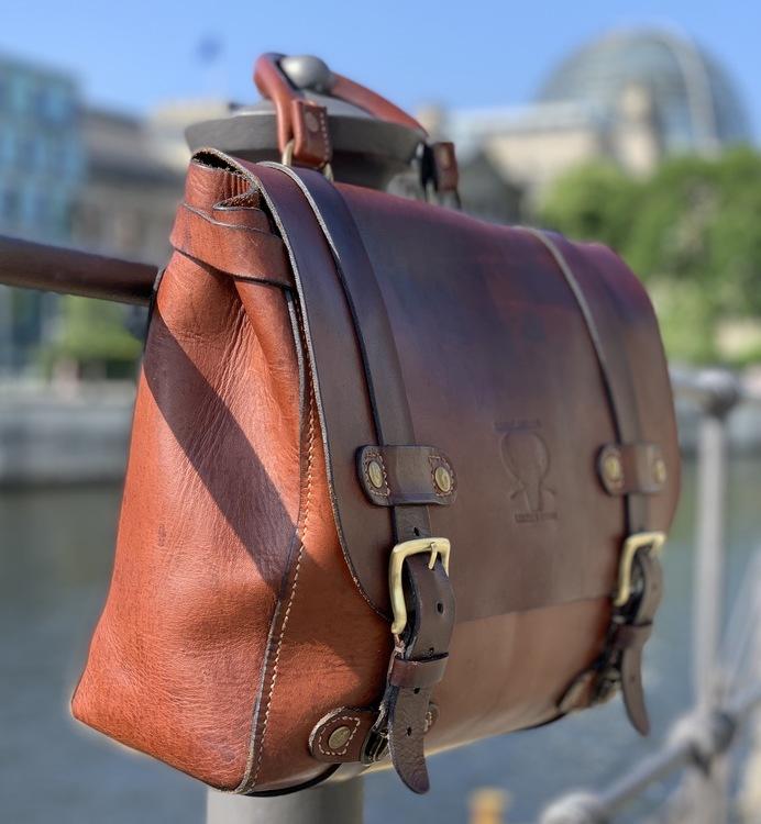 """Läder väska """"Berlin"""""""