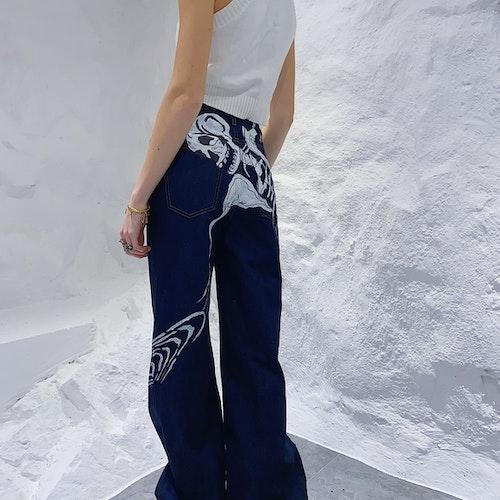 Bad to the Bone, straight leg dark blue jeans