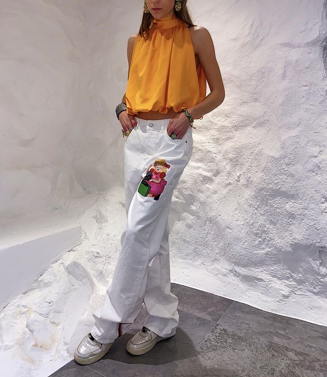 Girl with skeletons in her closet, white straight leg