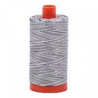 Aurifil - 4652/50 Licorice Twist - flerfarget