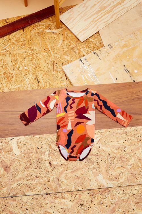 Foom body Papercut