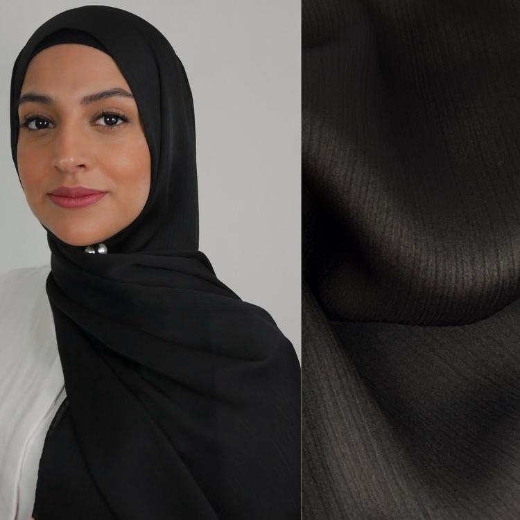 glansig hijab med matt baksida så att den sitter på plats utan att glida. Halkfri hijab 2in1 i färgen svart