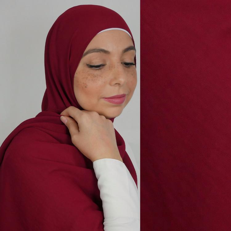 Jazz hijab i räfflande chiffong. Hijab i färgen vinröd