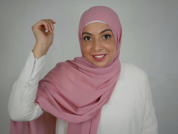 Jazz hijab i räfflande chiffong. Hijab i färgen rosa