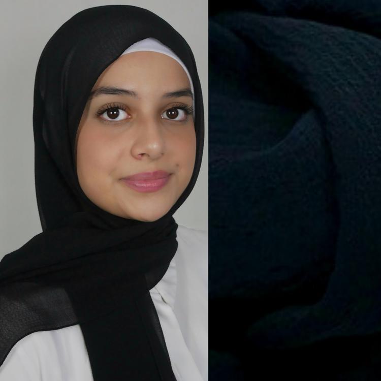 tunn hijab i chiffong. Luftig hijab  i färgen svart