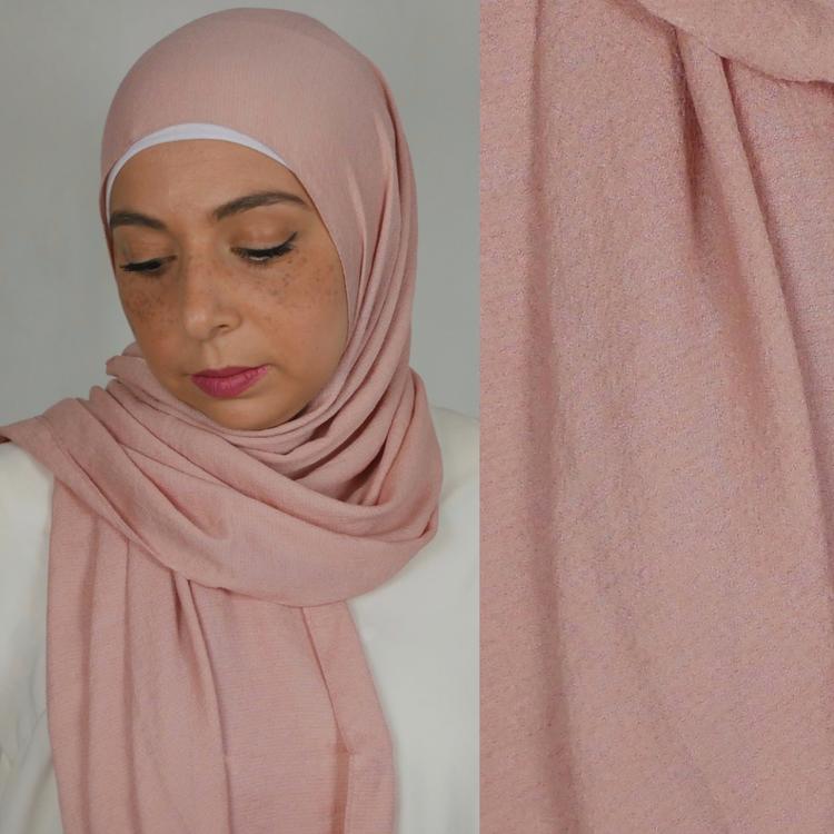 Mio jazz hijab. En blandning av mjukt tyg i färgen  puder rosa