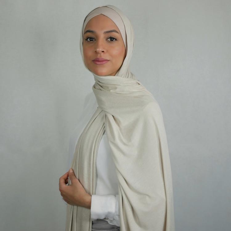 Hijab i Jersey premium. Maxi storlek i färgen strand