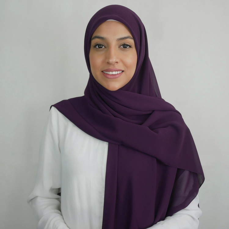 Chiffong hijab i fyrkantig modell i färgen Pplum som är en lila nyans