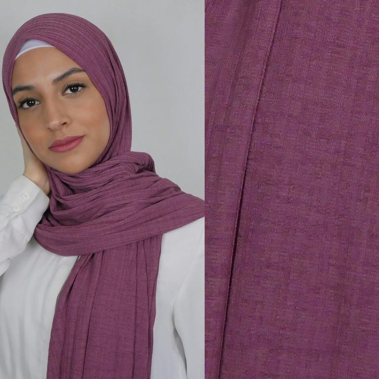 Jersey hijab med en snygg ribbad struktur. Jersey hijab i färgen lila