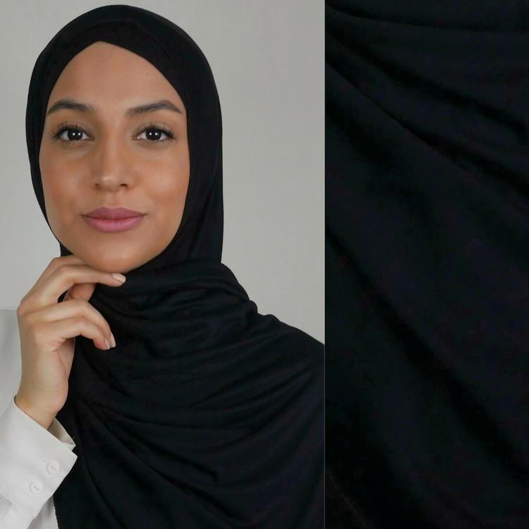Klassisk hijab i Jersey i tyget viskos. Denna Jesey hijab är i färgen svart
