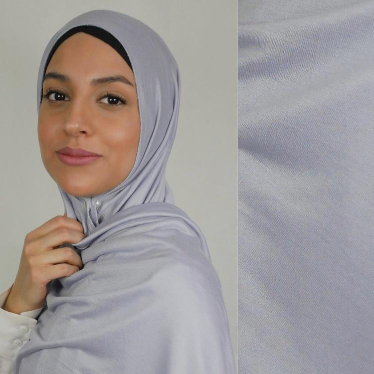 Klassisk hijab i Jersey i tyget viskos. Denna Jesey hijab är i färgen grå