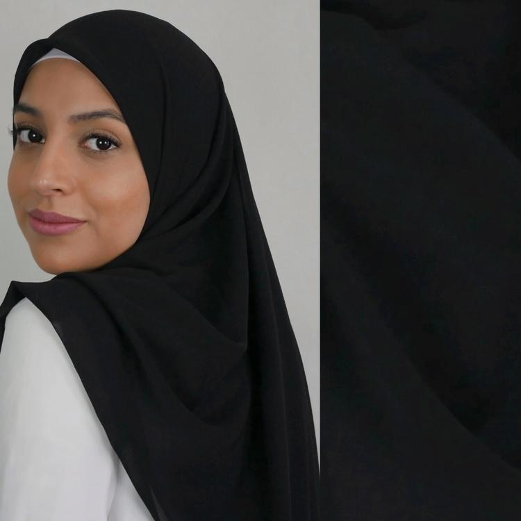 Chiffong hijab i fyrkantig modell i färgen svart