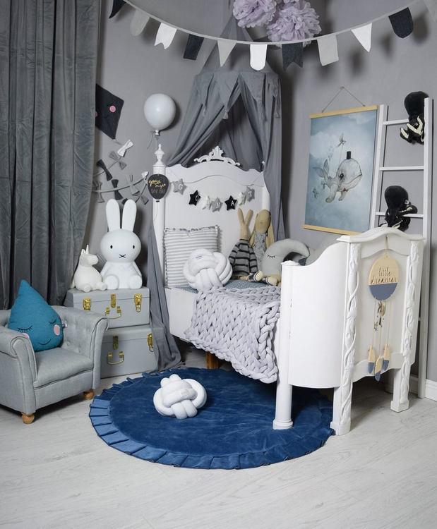 Sänghimmel med girlang