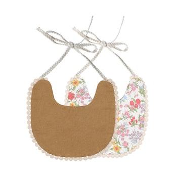 Haklapp /Dregglis - Blommigt vit och pepparkaksbrun med pompoms
