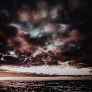 Poster/Konsttryck - Moln Över Havet