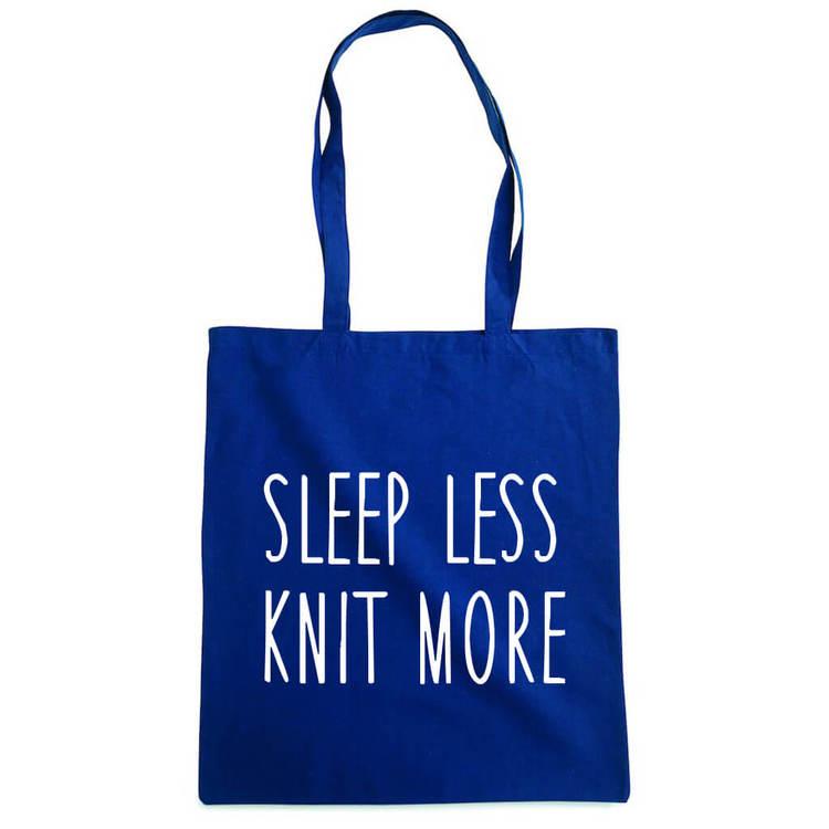 Sleep less knit more bærenett marine