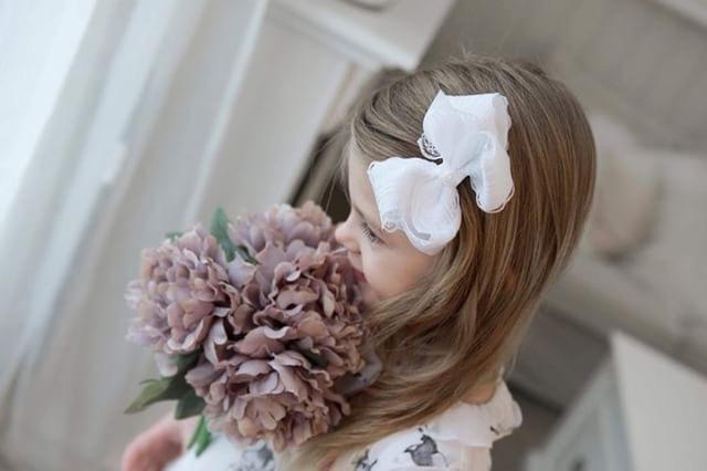 Hårklämma - Fancy Lace Bow Snow White
