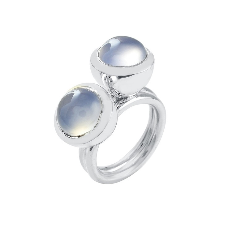 Silverringar med kalcedon. Silver rings with chalcedony.