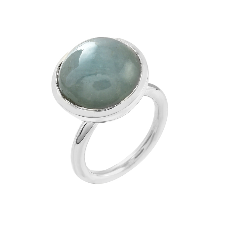 Silverring med akvamarin. Silver ring with aquamarine.