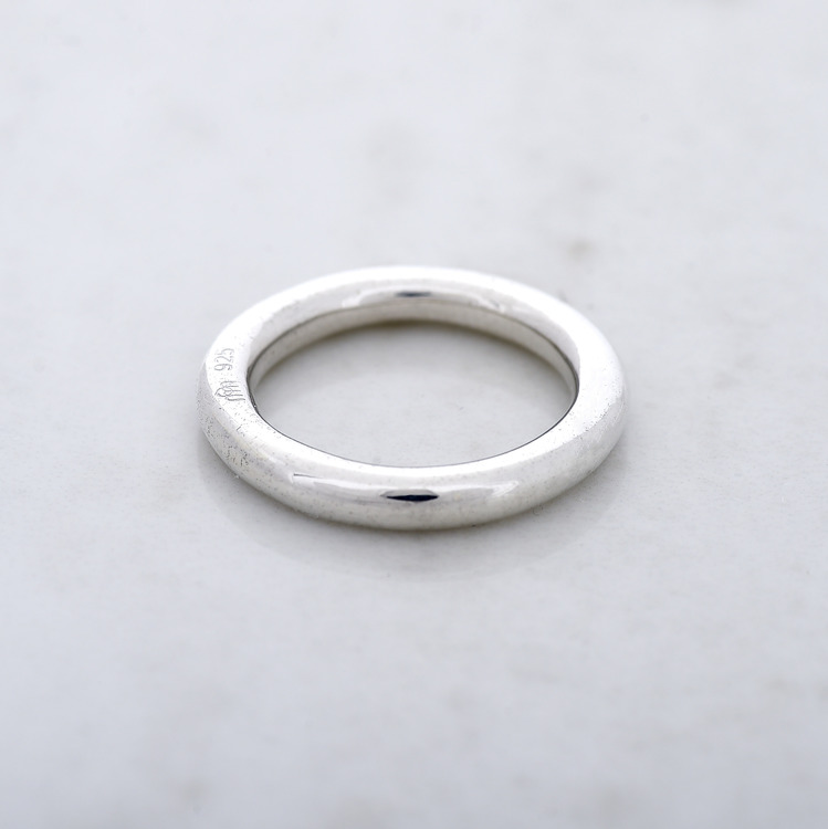 slät enkel silverring. smooth simple silver ring