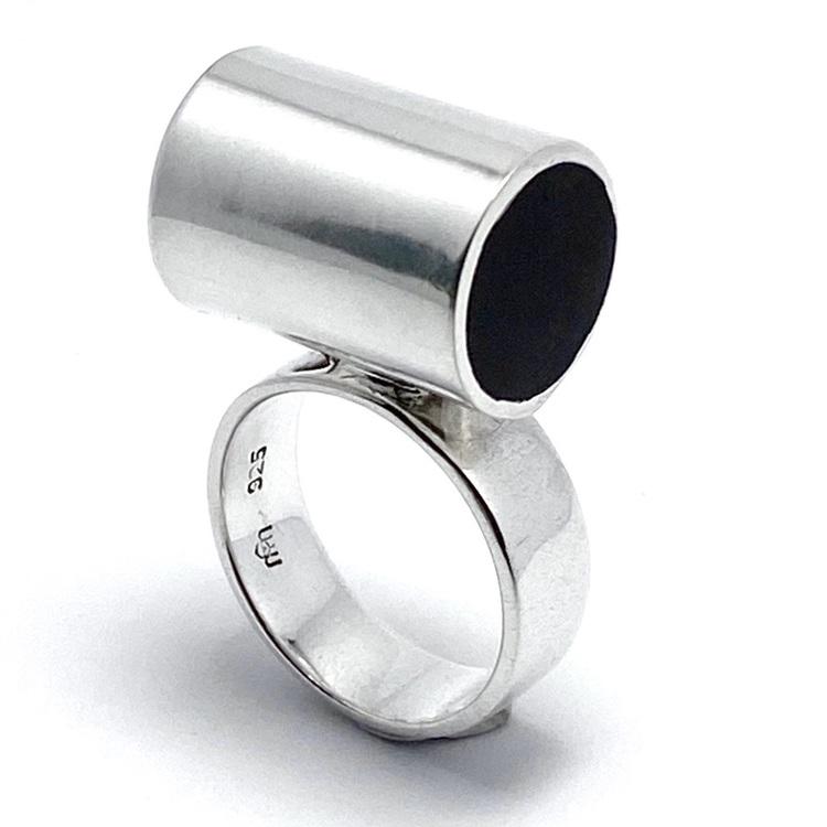 stor silverringar med mattslipad onyx. Big silver rings with mat polished onyx