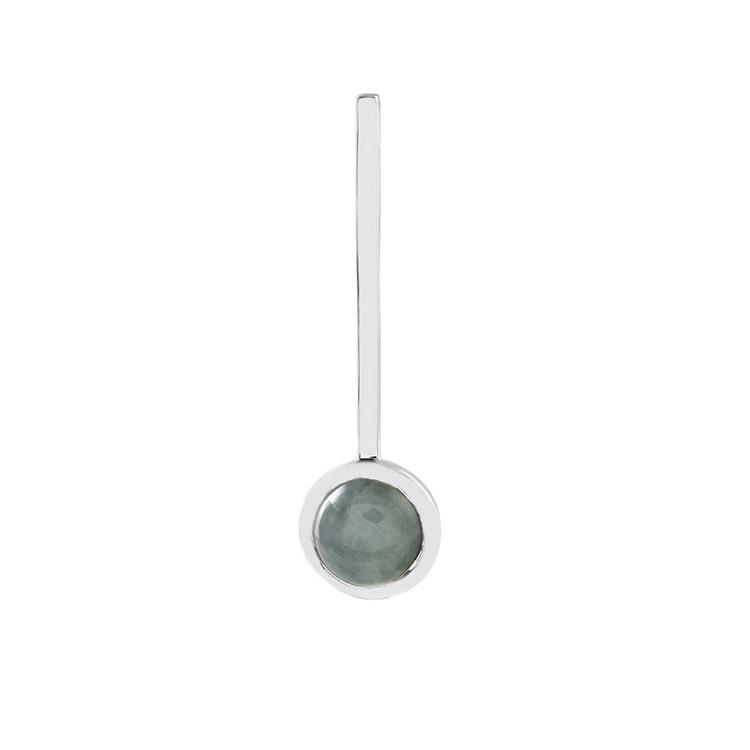 Hängsmycke i silver med akvamarin. Silver pendant with aquamarine.