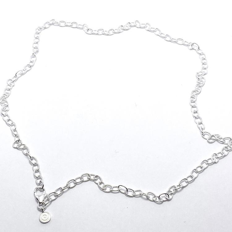 Silverkedja 42 cm. Silver chain 42 cm.