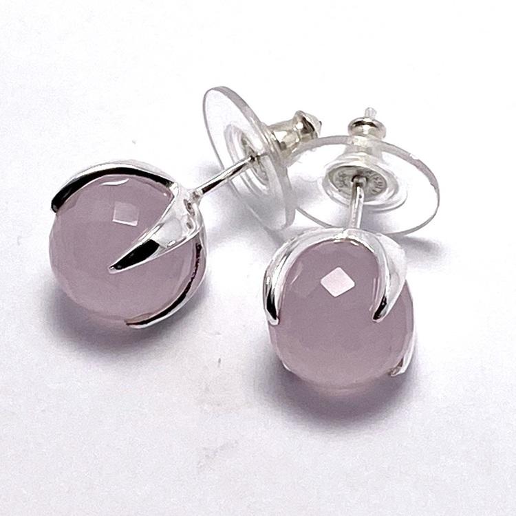 Silverörhängen med rosenkvarts. Silver earrings with rose quartz.