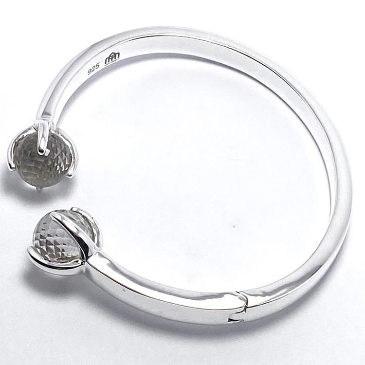 Silverarmband med bergskristall. Silver bracelet with crystal quartz