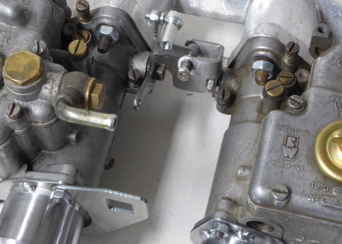 Reglage-kit monterat på förgasare.