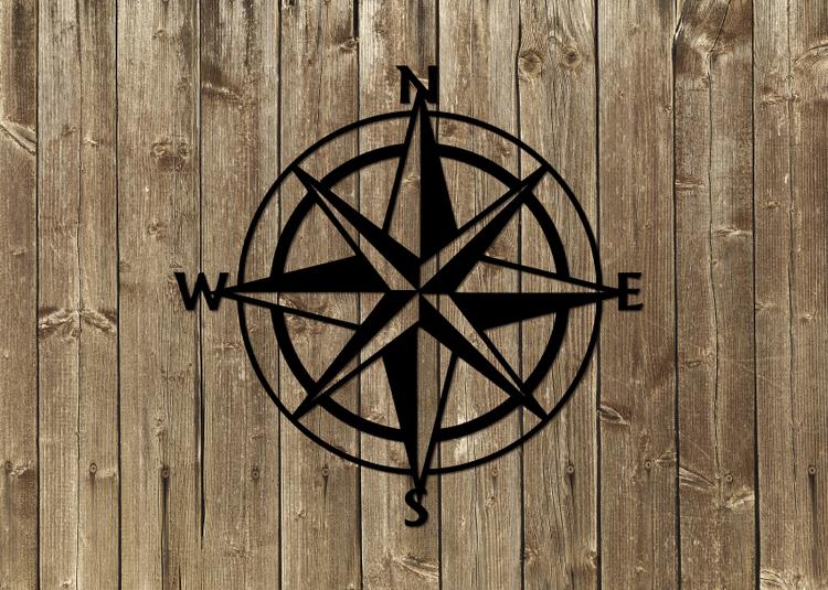 Kompass i plåt, svartlackerad.