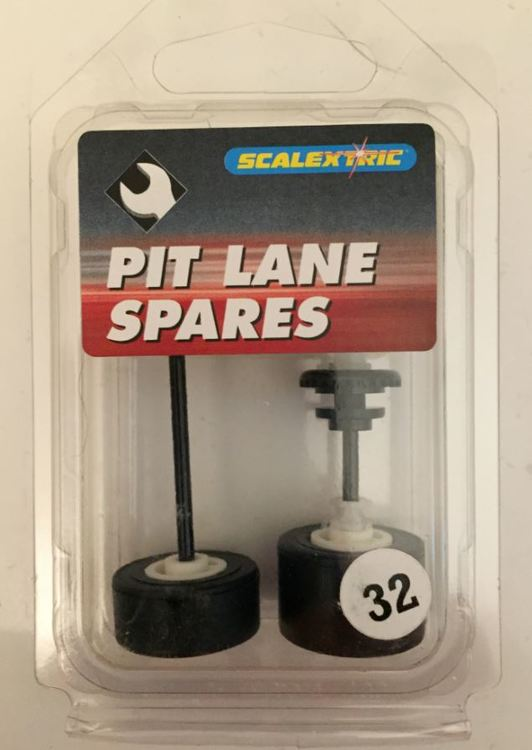 Scalextric C8118 - Axle Set F3 most variants (New Old Stock - NOS)