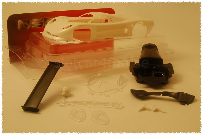 NSR - MOSLER MT 900 R ULTRALIGHT BODY KIT WHITE 14.6g - Body Kit Clear (white unpainted)