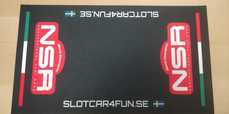 NSR - Mekmatta 60x30 cm - SLOTCAR4FUN.SE - Svart
