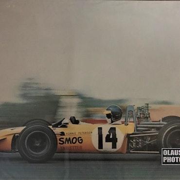 1969 - Poster av Ronnie Peterson i sin pippigula Tecno - 70 x 100 cm