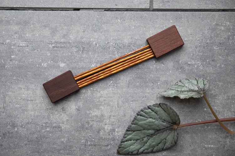 Succaplokki Strumpstickshållare i återvunnet trä