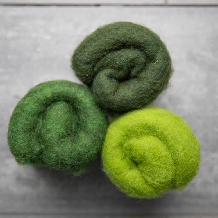 Svensk kardad ull - grön mix