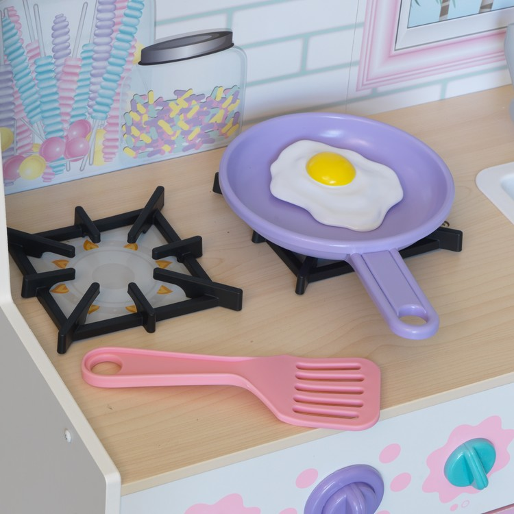 Dreamy Delights Play Kitchen