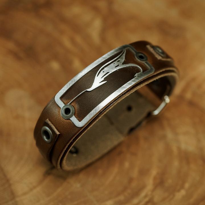 Sight Line Armband