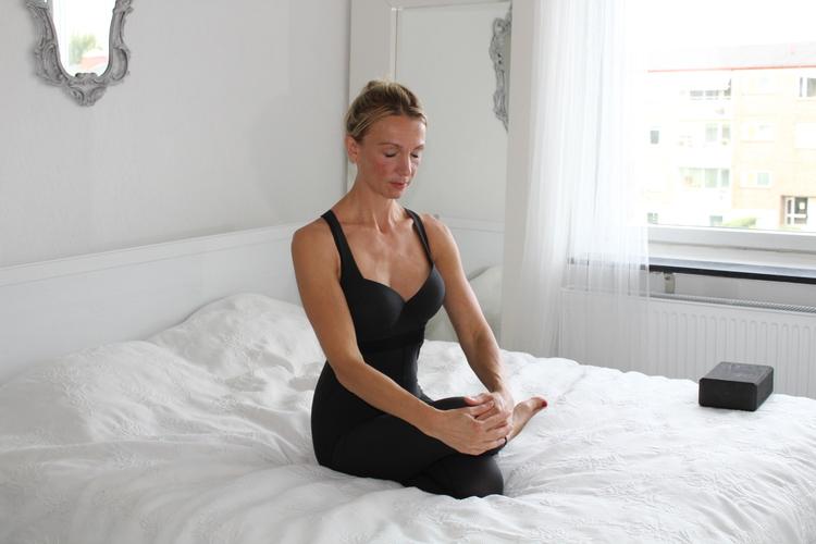 PT Yoga Online LIVE
