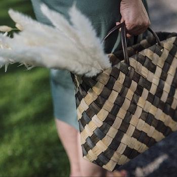 Stor Flätad väska Rut från Strömshaga