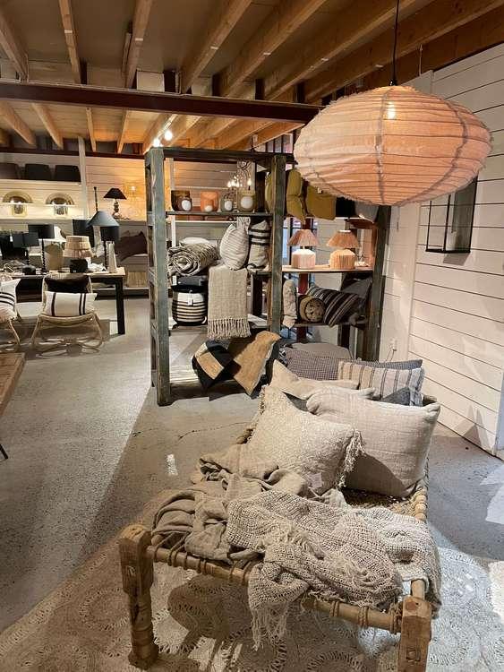 Olsson & Jensen taklampa Lino linne beige vardagsrum sovrum design