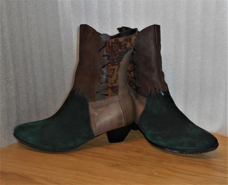 Grön/kombi boots från österrikiska Think!